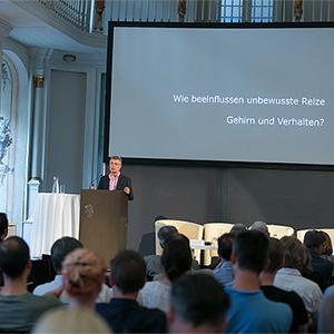 BioTechMed Graz Symposium-Marco reif-Unreif.und Taube-bewegtbildproduktione